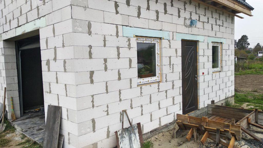 Строительные Работы по Возведению Фундамента, Стен и Кровли. Облицовка дома